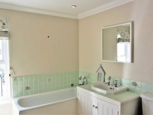 Holiday Family Bathroom Seaview