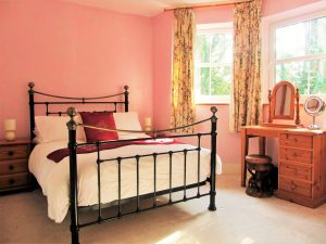 master-bedroom-holiday-cottage